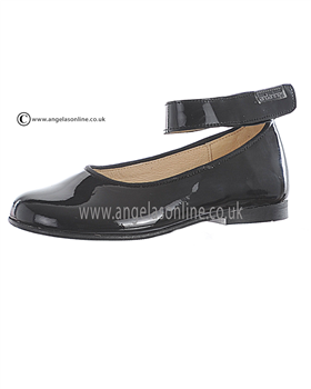 Andanines Girls Black Patent Leather Shoe T71148