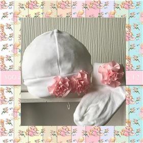 Angelas baby beanie hat & bib 401 WH-PK
